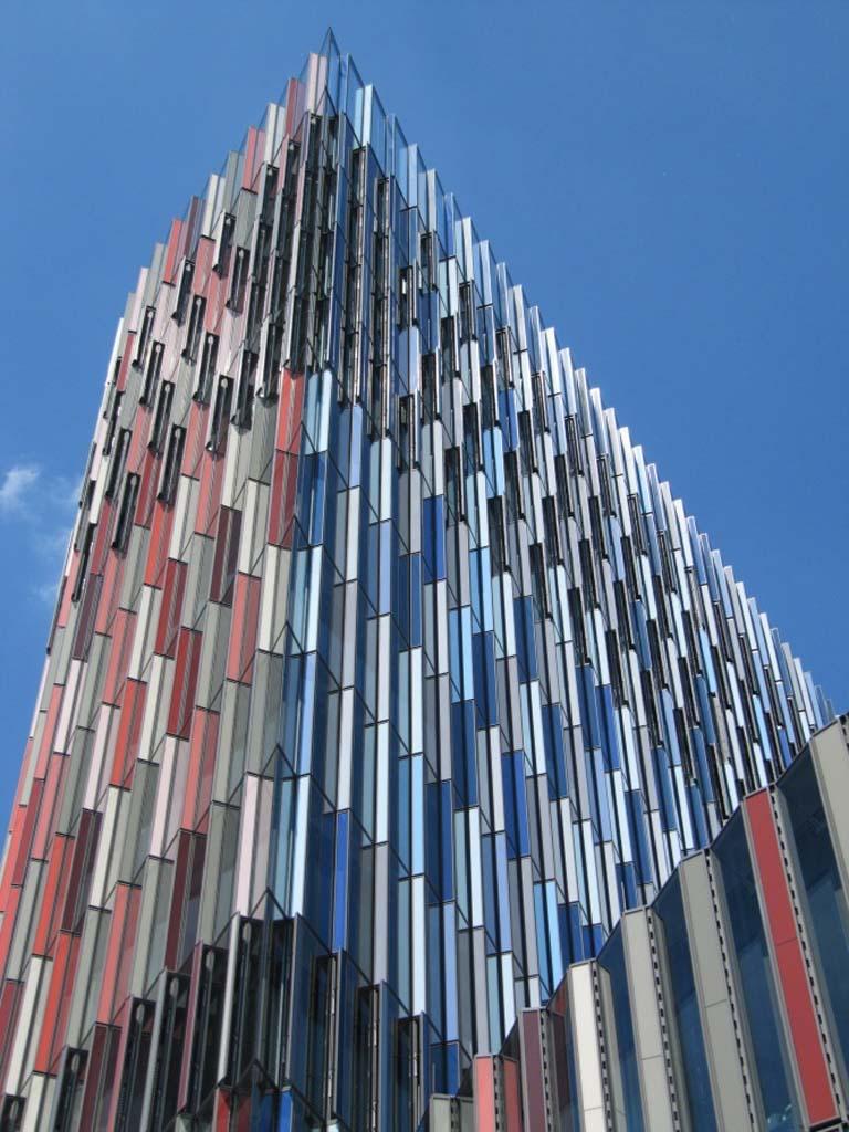 Mit der klimatour hinter die kulissen moderner architektur for Architektur frankfurt